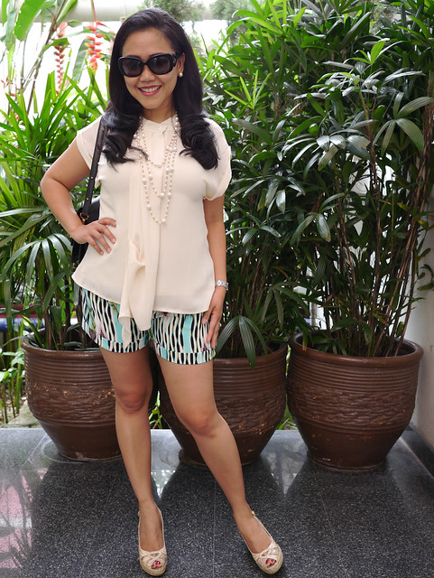 market top - jlo shorts - weitzman shoes - prada shades - lv bag2