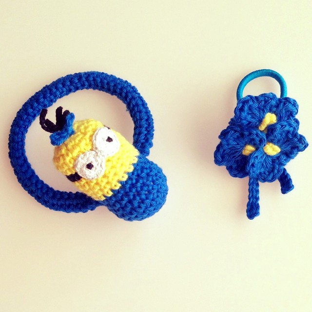 minion set ,  teething ring and hair clip