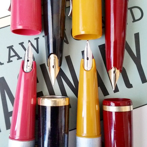 Yesterday's awesome thrifting score! LAMY studio's from West Germany(pink and musterd yellow), Lamy 27 (black) and Lamy Ratio (red) with golden nibs. And my ultra sonic cleaner is my new best friend! These were incrusted with ink! #lamy #lamylovers #fount