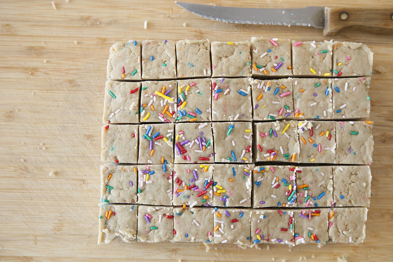 No Bake Oreo Cake Batter Squares recipe that only needs 4 ingredients. They are perfect for when it's too hot to bake!