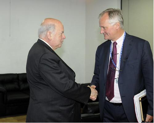 Secretario General de la OEA se reunió con el Director del Servicio Europeo de Asuntos Exteriores de la UE