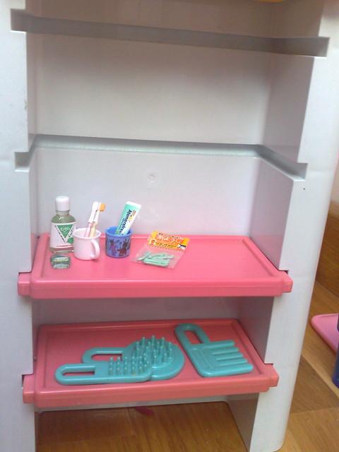 Re ment kit dental estantería
