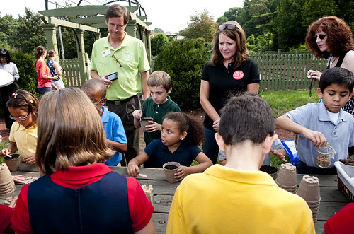 9-11-13 First Lady Haslam invites TN students to begin planting in the Kitchen and Cutting Garden
