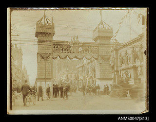 The Butter Arch in Market Street, Melbourne, decorated to commemorate Australian Federation Celebrations