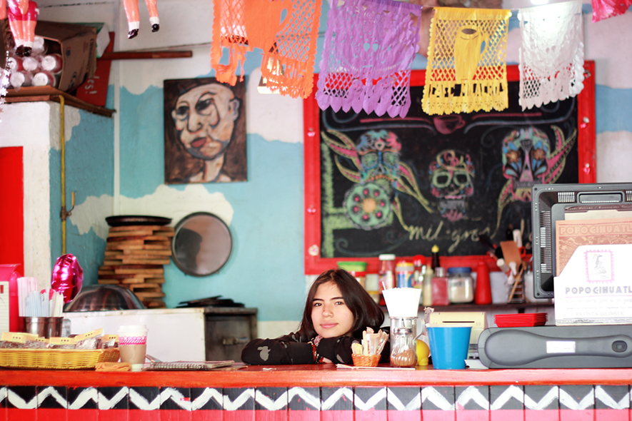 Linda, Cafe Milagros