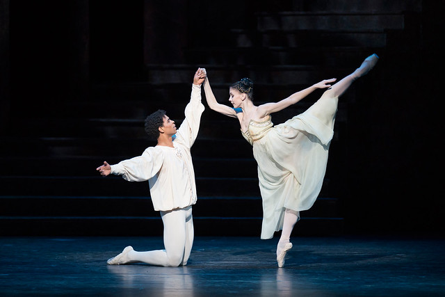 Carlos Acosta and Natalia Osipova in Romeo and Juliet © ROH/Bill Cooper, 2013