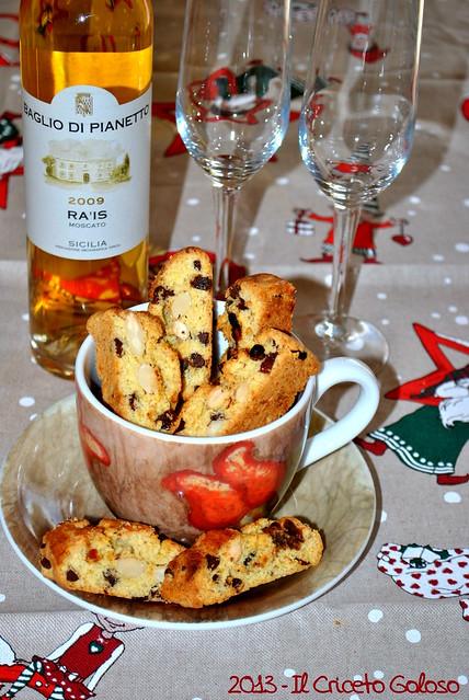 Biscotti con datteri, cioccolata fondente e mandorle (13)