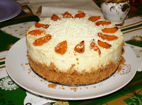 White chocolate and apricot cheesecake