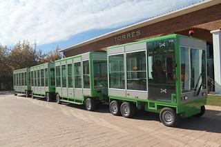 El tren eléctrico-solar, utilizado para las visitas.