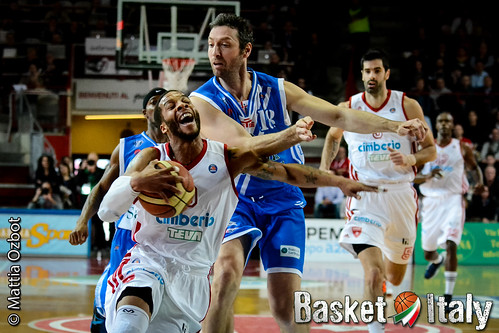 varese vs sassari- banks