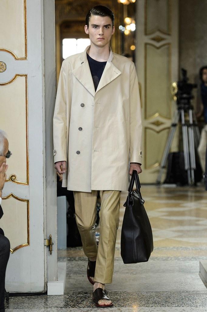 Elvis Jarrs3018_SS16 Milan Corneliani(fashionising.com)