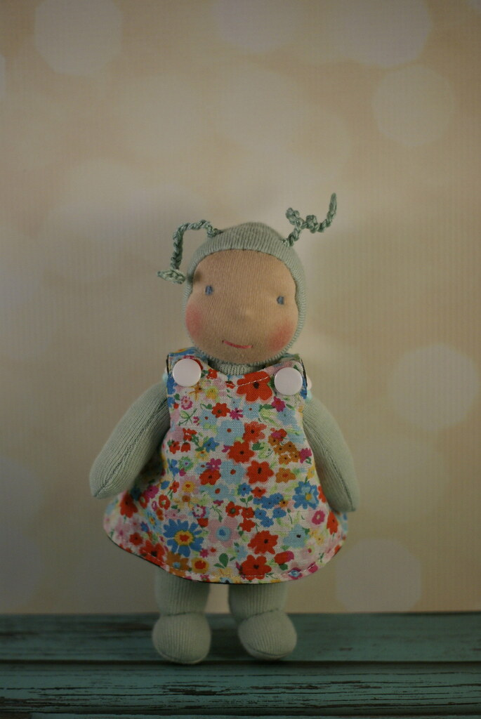 "Napling reversible Pinafore; flowers/stars Fits 7-8"" dolls"
