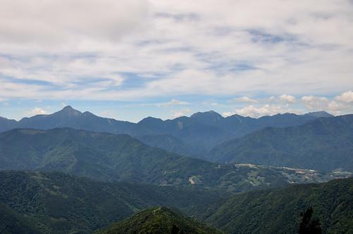 中央尖與南湖大山
