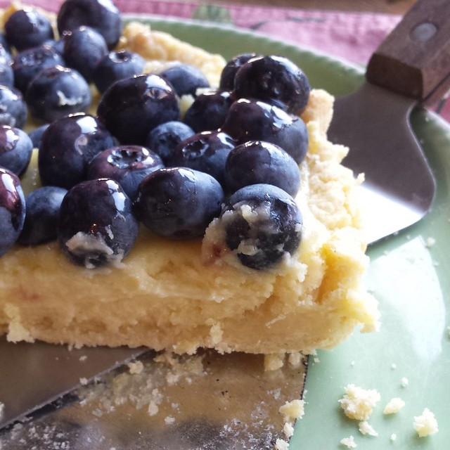 Blueberry Sour Cream Tart. Oh my goodness, is this heavenly #blueberries #njblueberries #dessert #baking