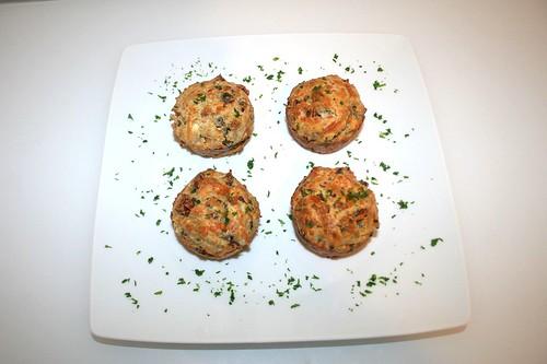 38 - Cabanossi Feta Muffins - Serviert / Served
