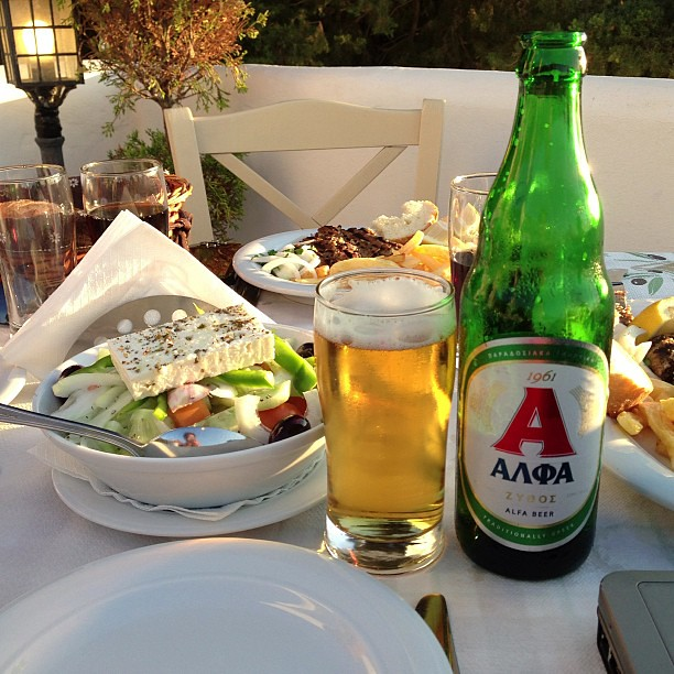 Greek Salad ve Alfa Beer