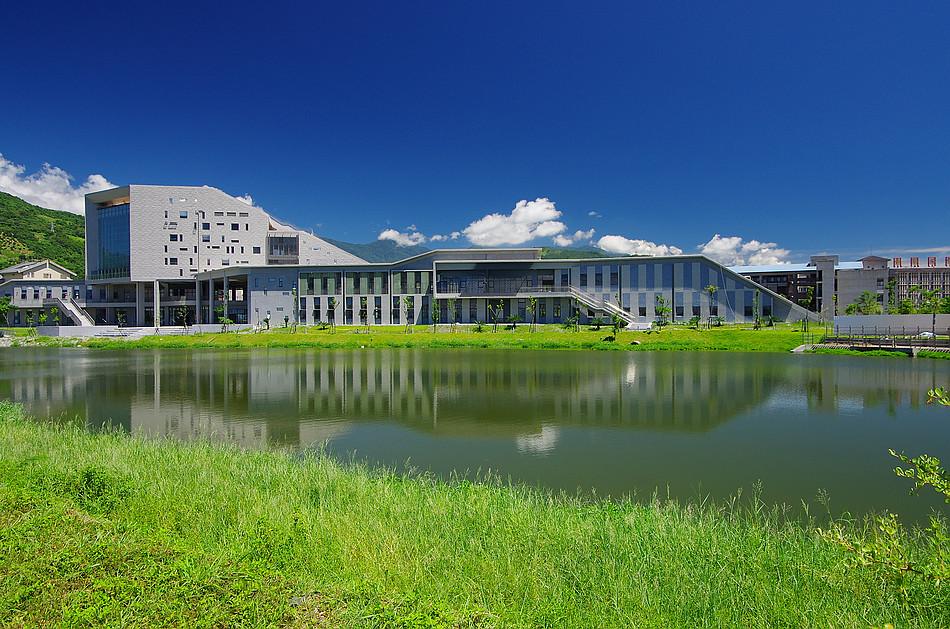 假日隨拍-大學池