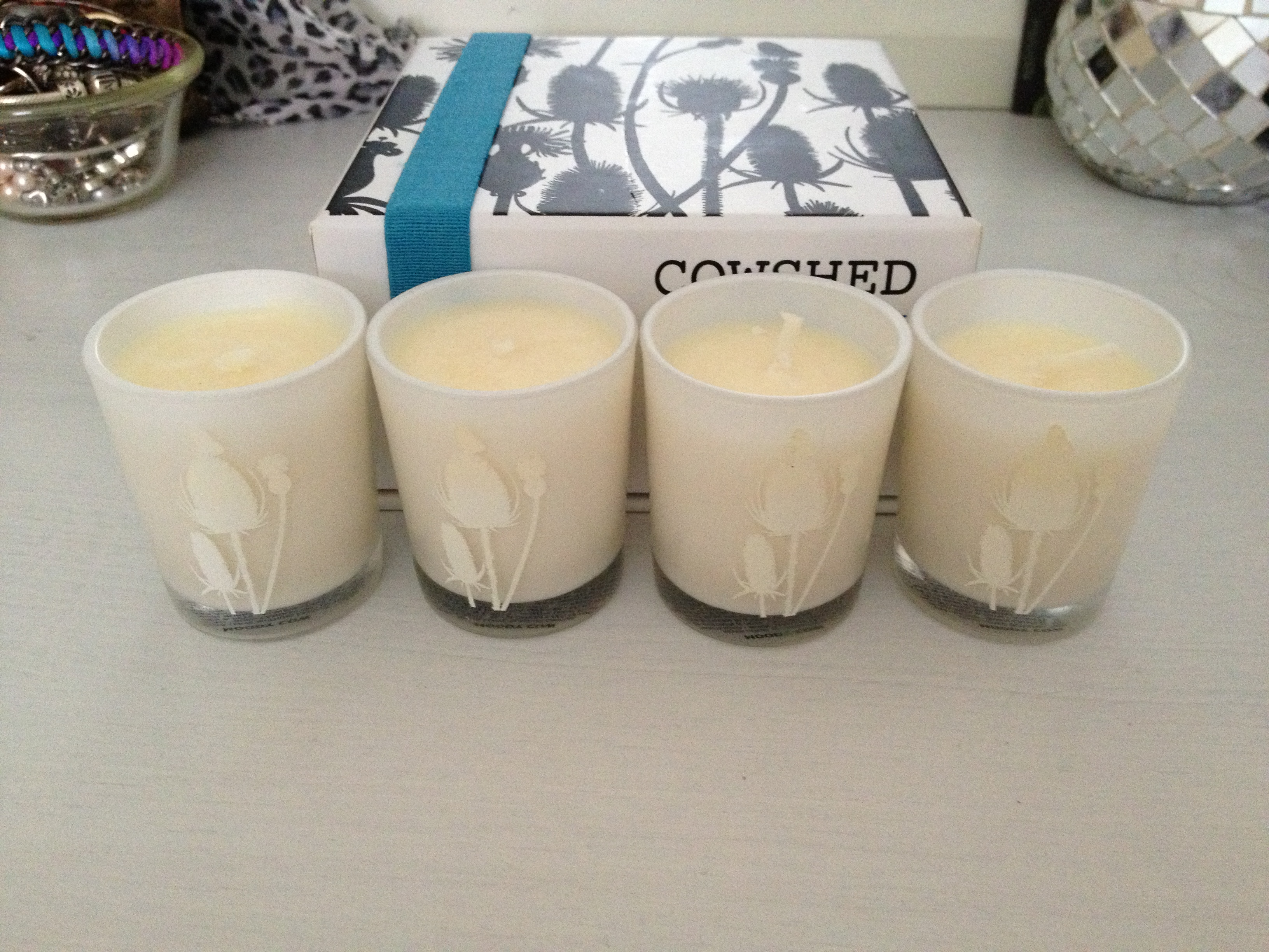 Cowshed_Moody_Cow_Balancing_Travel_Candles
