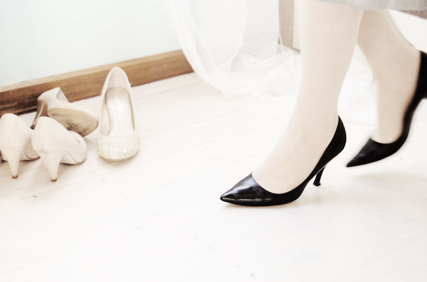 black pointy shoes a