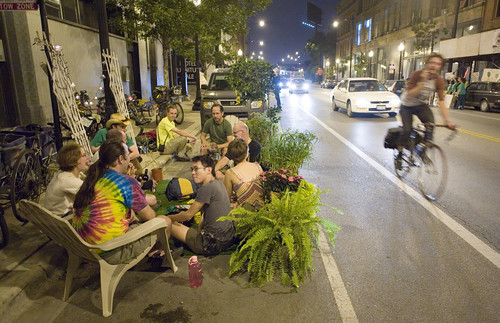 Park(ing) Day, Chicago (by: David Schalliol, creative commons)