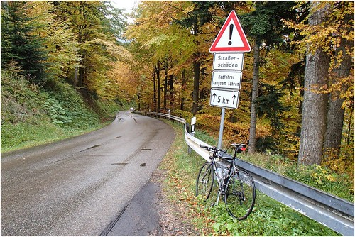 _radfahrer_langsam_fahren by l--o-o--kin thru
