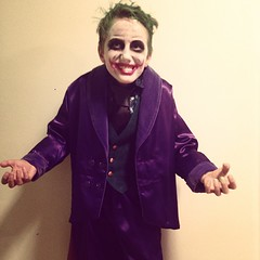 joker(1.0), clothing(1.0), purple(1.0), fictional character(1.0), costume(1.0),