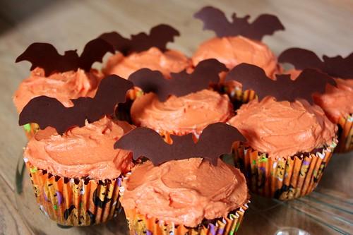 halloween-cupcakes-chocolate-bats