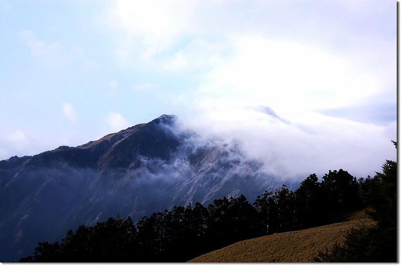 霧鎖奇萊北 10
