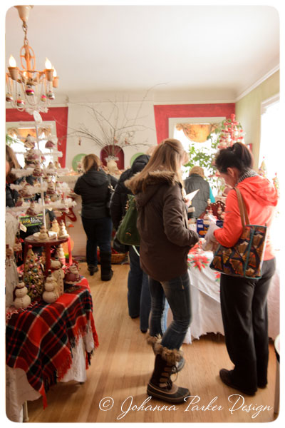 Open-House-Shoppers