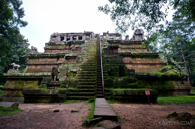 Phimeanakas is the tallest scalable temple in Angkor Thom