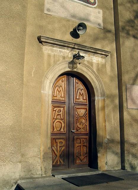 drzwi do kościoła