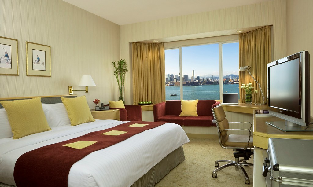 EXHKG - deluxe_harbour_view_room-1.jpg