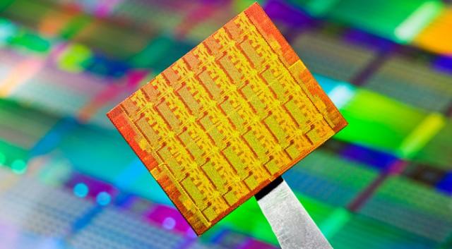 silicon-wafer-22nm-intel-640x353