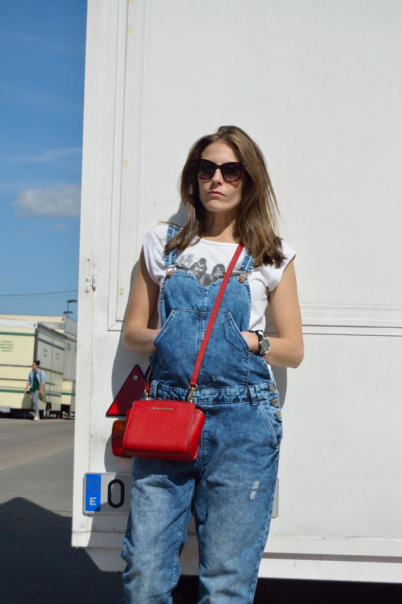 lara-vazquez-madlulablog-style-streetstyle-red-details