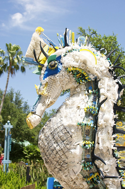 seahorse trash