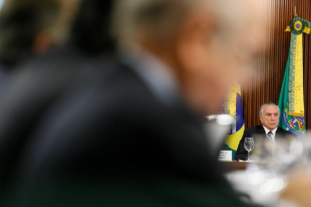 Temer quer acabar com aposentadoria dos brasileiros
