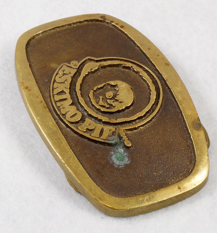 RD15316 Vintage Eskimo Pie Brand Brass Belt Buckle Advertising DSC09222