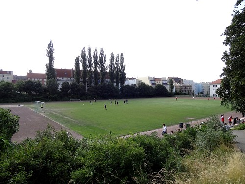 DSC09538 Students v Professors University of Halle, at Sportplatz Franckesche Stiftungen