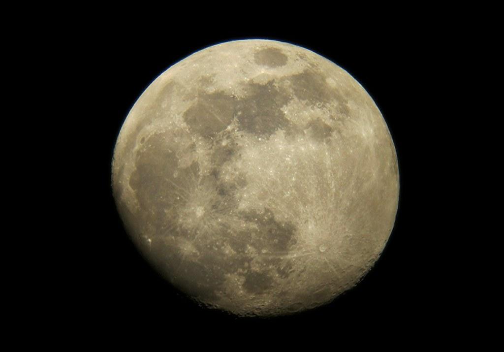 Luna Gibosa Creciente | La Luna en su giro alrededor de la T… | Flickr