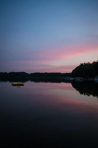 pink blue sunset lake reflection water canon boat michigan raft lavine 24105l 5dm3