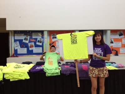 Lend A Hand - At Vietnamese Youth Conference 4