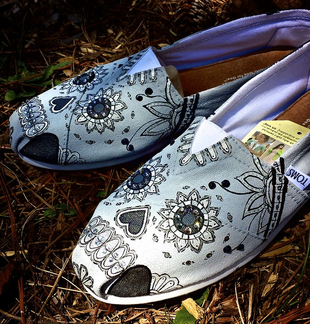 Hand Painted Black/White Sugar Skull TOMS Shoes | Flickr ...