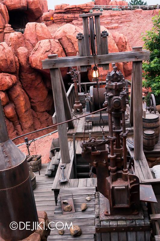 Tokyo Disneyland - Westernland - Big Thunder Mountain