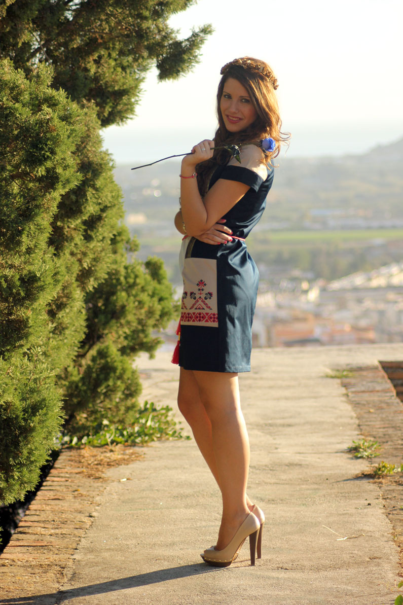 Rosalita-Mc-Gee-vestido-azul-y-rosa-heelsandroses-(6)
