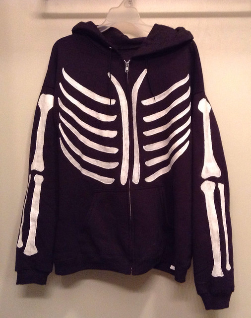 My DIY Skeleton zipper hoodie