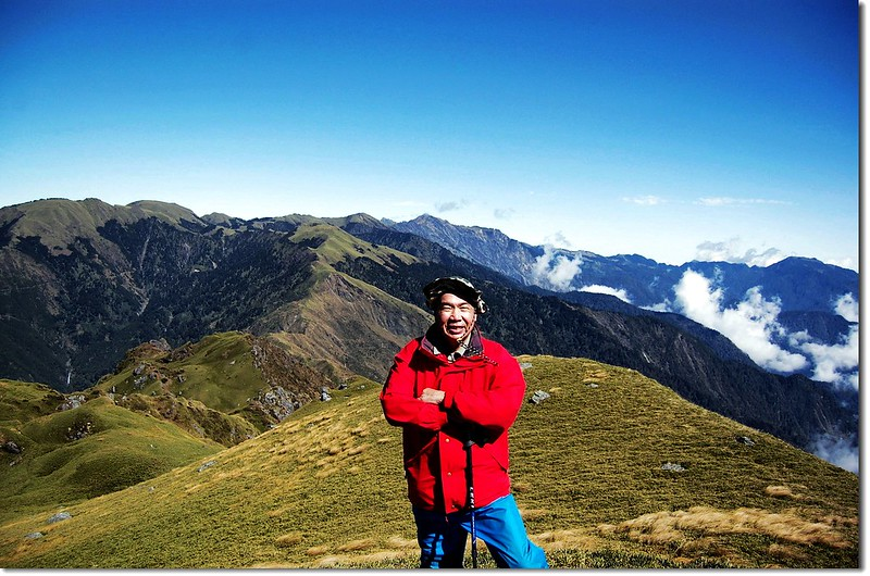 卡賀爾山頂(背景為奇萊連峰)