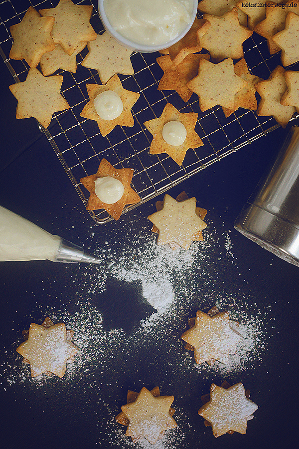 Almond Stars With Coconut Cream Filling