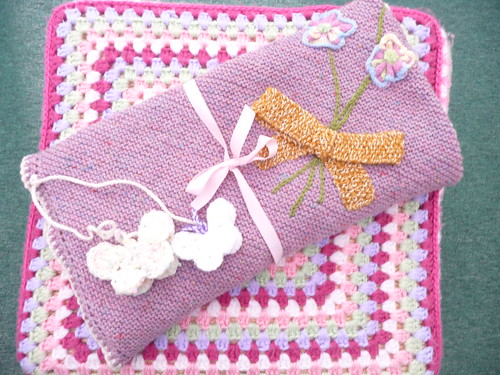 610 'Bouquet Blanket' made and donated by uomalley. Thank you! It's gorgeous.