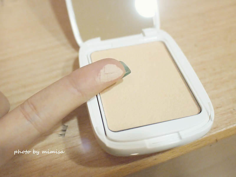 LANEIGE蘭芝 LED超誘光精萃唇膏 &水柔光持色粉餅 (7)