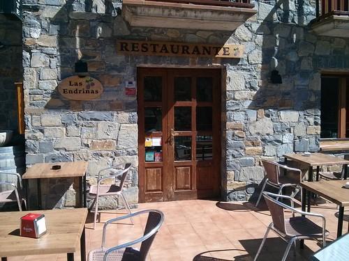 Broto | Restaurante Las Endrinas | Exterior